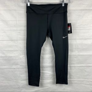 NWT Women's Nike Cropped Leggings